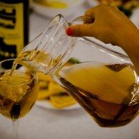 Жарко? Бокал сока, пожалуйста! :: Валерий Гудков