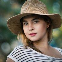Девушка в шляпке :: Алекс Римский