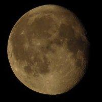 Луна сегодня в Москве :: Андрей Лукьянов