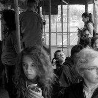 Спящий мальчик в трамвае :: Дмитрий Шишкин