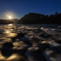 Ночь. Полнолуние. Река Юртока :: Юрий Лобачев