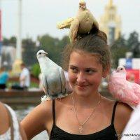 выразительные глаза,а или глазки в окружении глаз :: Олег Лукьянов