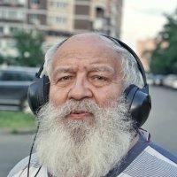 Заглушая  пустоту города :: Андрей Майоров