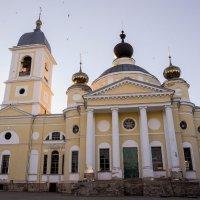 Храм в городе Мышкин :: Сергей Тагиров