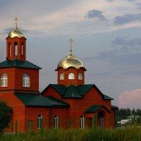 Поле...  и  Храм. :: Валерия  Полещикова