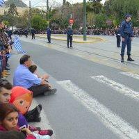 Маша тоже пришла на греческий парад! :: Оля Богданович