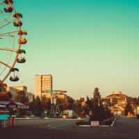 г. Нижний Тагил, Вид на Нижнетагильский цирк из парка им. А.П.Бондина :: Николай Ханжин
