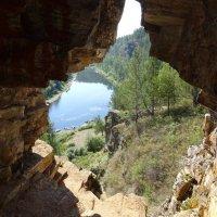 Вид из Идрисовой пещеры на реку Юрюзань :: Татьяна Ушакова