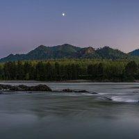 И днём и ночью несёт свои воды Река :: Андрей Поляков