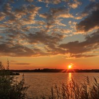 на озере :: Виктор Ковчин