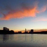 Снова закат на городском пруду :: Андрей Лукьянов