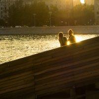 под вечернем солнцем :: Александр Шурпаков