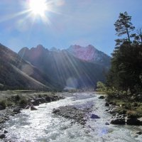 Солнце в горах :: Виталий Купченко