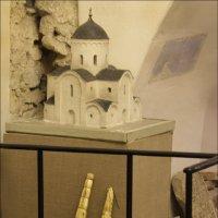 Церковь выметает музей :: galina bronnikova