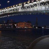 Под мостом... :: Viacheslav Birukov