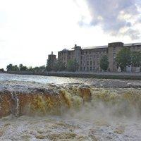 Нарвский  водопад :: Vladimir Semenchukov