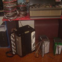 Музыкальные инструменты и магнитофон :: Tarka