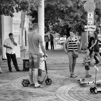 Фрагмент улицы... :: Беспечный Ездок