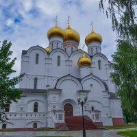 Собор в Ярославле :: Сергей Тагиров