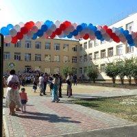 Открыта в школу дверь! :: Татьяна Смоляниченко