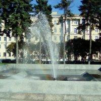 Городской пейзаж.Фонтан с радугой. (Санкт-Петербург). :: Светлана Калмыкова