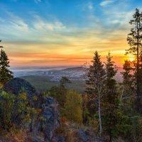 Восход в горах :: vladimir