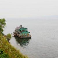Одинокая пристань на Волге :: Damir Si