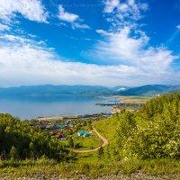 Южный берег Байкала... Култук и Слюдянка в дали... :: Алексей Белик