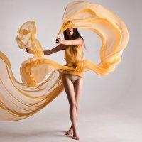 Aerial dancing :: Alice Lain