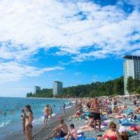Пляж Пицунда :: Андрей Наумов