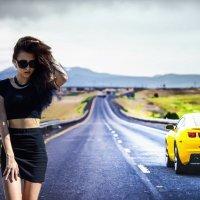 Девушка на дороге :: Дарья Дель