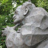 Памятник Соса Саркисяна :: Volodya Grigoryan