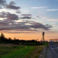 Шумилино на фоне осеннего заката :: Анатолий Клепешнёв