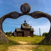 Ворота к храму :: Виктор Добрянский