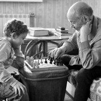 дед и внук... :: Олег Петрушов