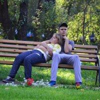 В вечернем парке :: юрий Амосов