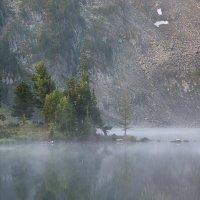 Утро на горном озере :: Евгений ...