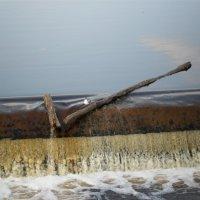 дамба на реке Пскове :: Даша Полевая