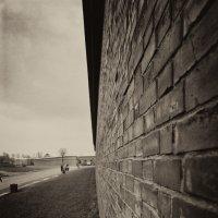 Стена Петропавловской крепости :: Сергей Sahoganin