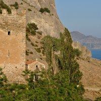 Сторожевая башня Генуэзской крепости :: вадим измайлов