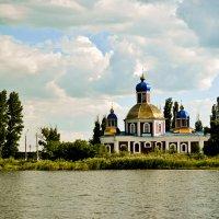 Церковь :: Polina West