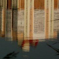 окна смотрятся в озеро :: Александр Прокудин