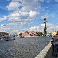 Прогулка по набережной :: Татьяна Нижаде