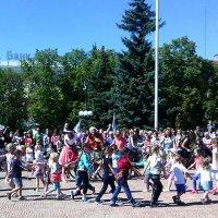 Как мы отпраздновали День Луганска! Детский хоровод :: Наталья (ShadeNataly) Мельник