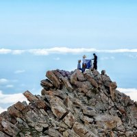 О грозных альпинистах с крутым снаряжением :: Владимир Амангалиев