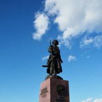 Памятник первопроходцам :: Наталья Покацкая