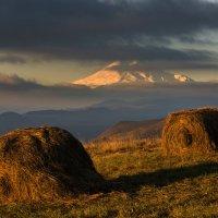 На плато Шатджатмаз :: Александр Хорошилов