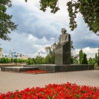 Памятник писателю Сергееву-Ценскому С.Н. :: Александр Селезнев