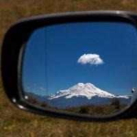 Эльбрус в зеркале :: Александр Хорошилов