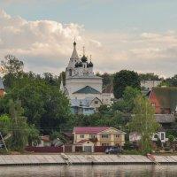 Церковь в Костроме. :: Сергей Тагиров